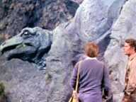 http://horror-movies.ru/Fiction-1/Prehistoric_times/People_that_time_forgot/Peoplethatimeforgot8.jpg